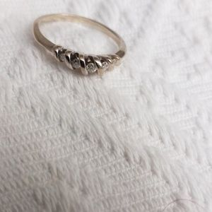 Jewelry - Accent ring